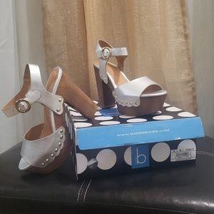 BAKERS-WOODEN HEEL SIZE 5 heels